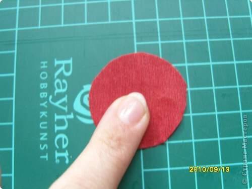 Квилинг червена роза - стъпка 1