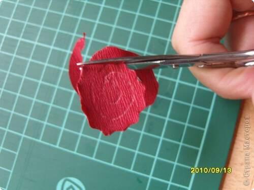 Квилинг червена роза - стъпка 3