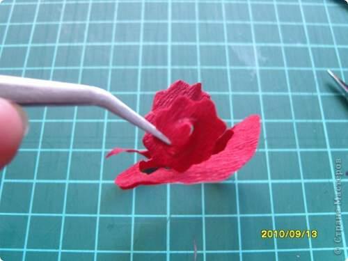 Квилинг червена роза - стъпка 4