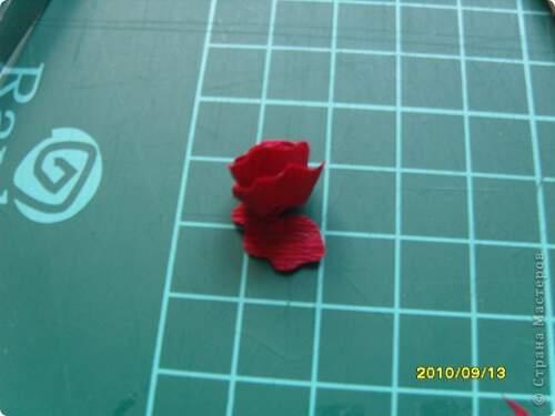 Квилинг червена роза - стъпка 8