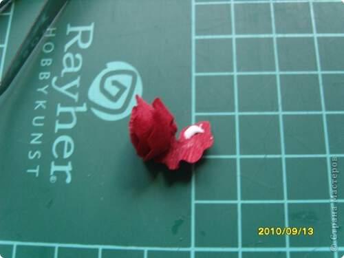Квилинг червена роза - стъпка 9