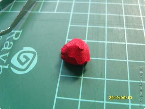 Квилинг червена роза - стъпка 10