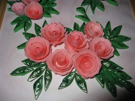 Розови рози от квилинг