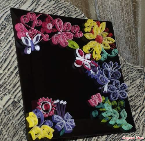 Картичка с цветя от квилинг