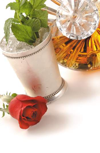 Mint Julep в сребърна чаша на Tiffany & Co