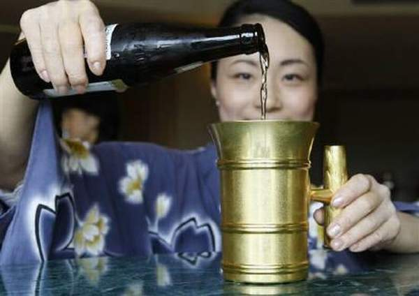 Златната халба на Ginza Tanaka