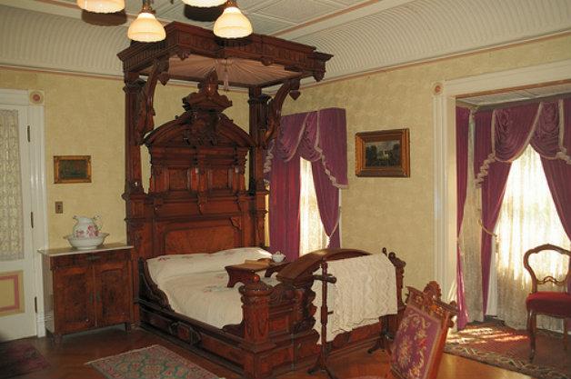 Спалнята на вдовицата Сара